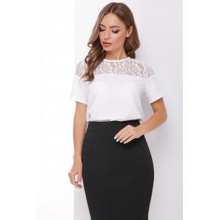 Біла блуза з мереживною кокеткою
